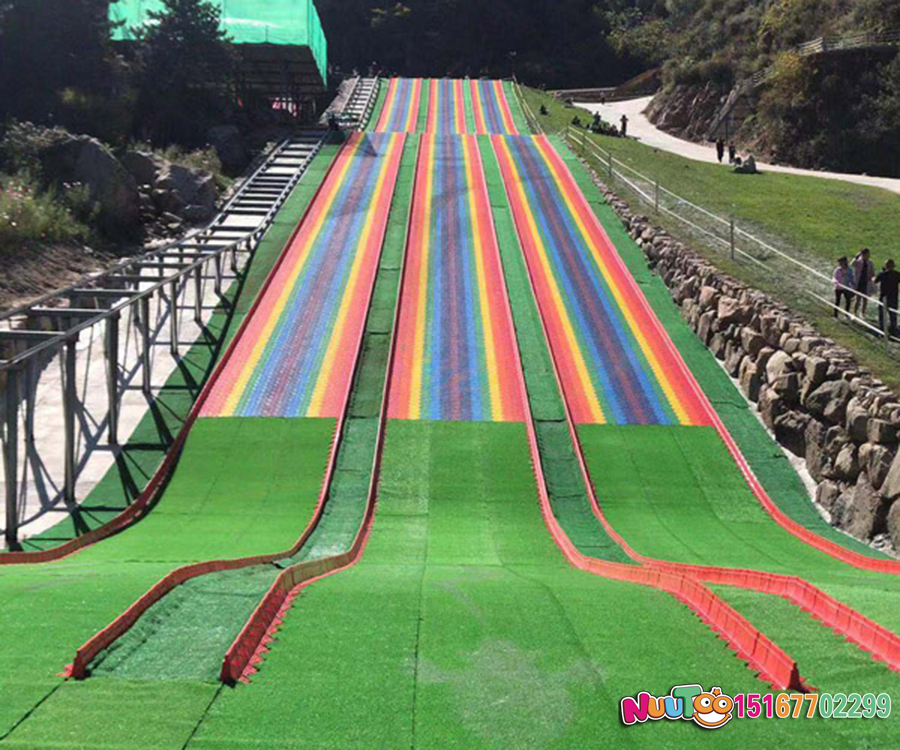 Colorful slides + colorful slides + dry snow slides + flying slides - (24)