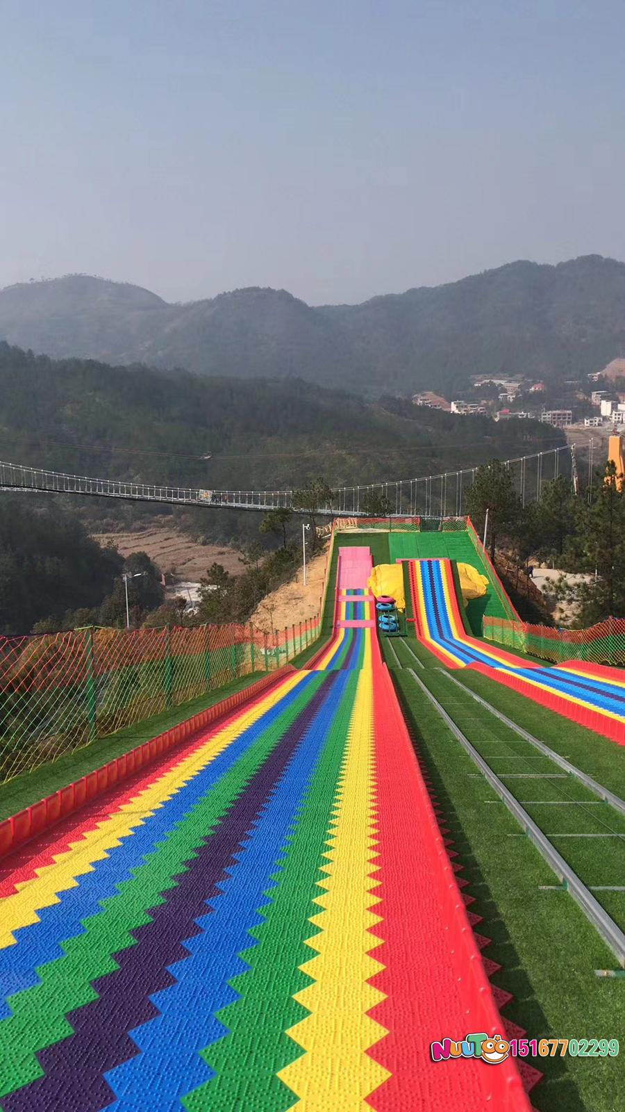 Colorful slides + colorful slides + dry snow slide + leap slide - (37)